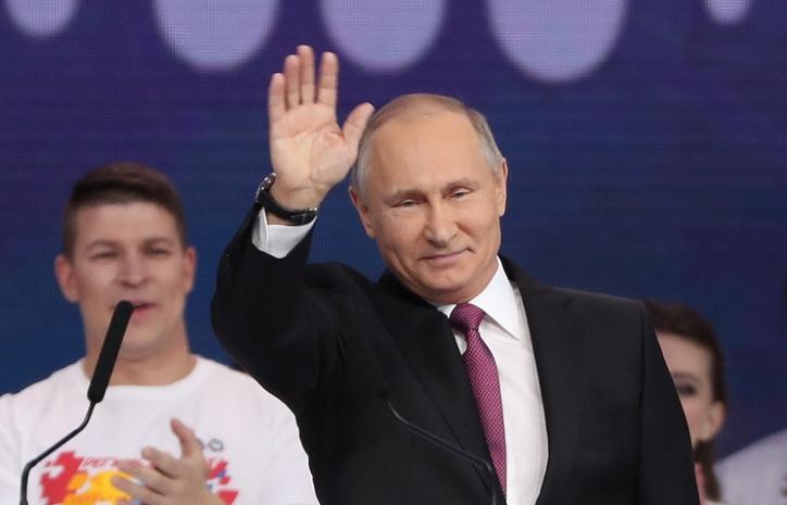 Президент России Владимир Путин объявил 2018 год – годом добровольцев волонтеров
