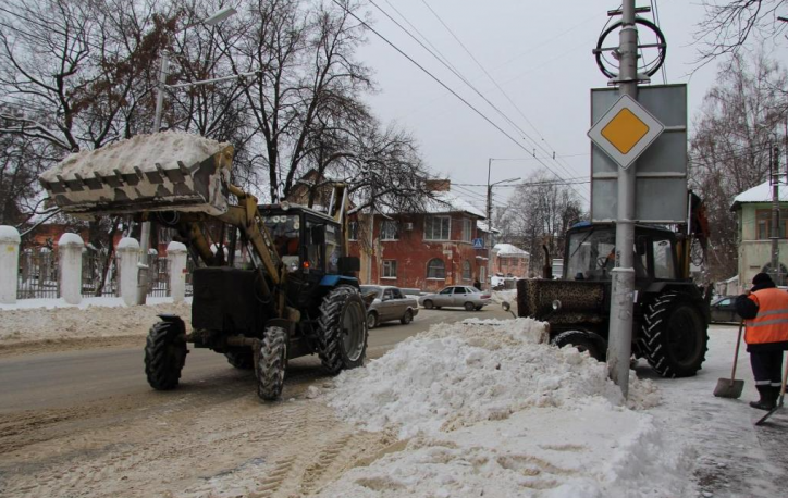 Сулиц Рязани убрали неменее 600 кубометров снега
